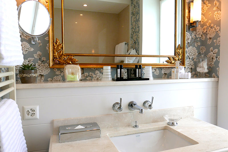 Bath in our Junior Suite at Grand Hôtel du Lac - Photo by Hideaway Report editor