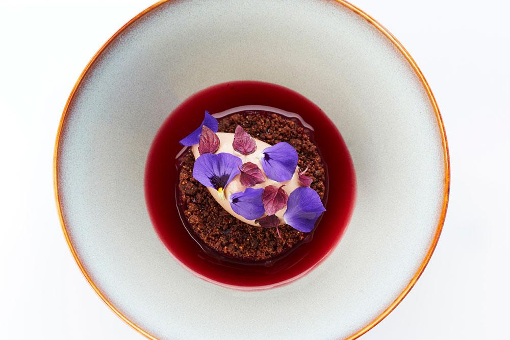 Chocolate, cranberry and laurel from <em>Restaurant Vrijmoed</em>